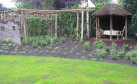 Janssen Beek en Donk tuin met Robinia pergola (8)