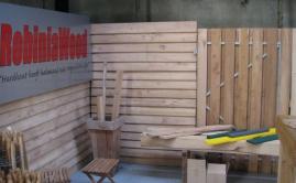 Beurs met plantenbakken, poorten en meubels Robinia (5)